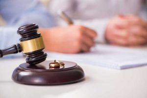 כיצד להתמודד עם תלונת שווא במסגרת הליך גירושין?